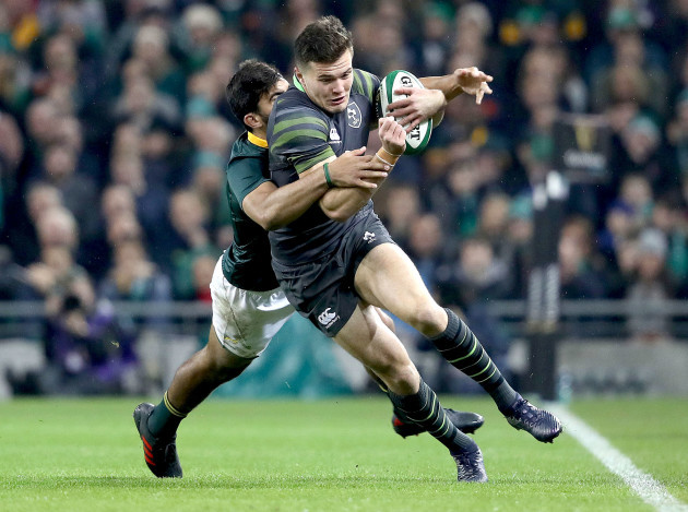Jacob Stockdale tackled by Damian de Allende