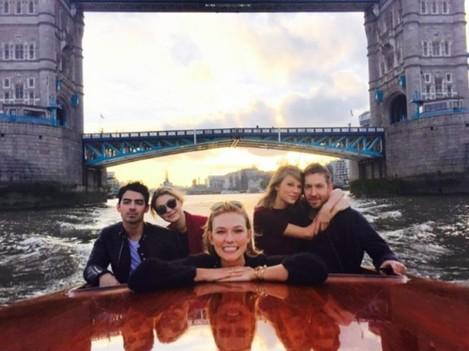 gigi-hadid-taylor-swift-double-date-boat-london