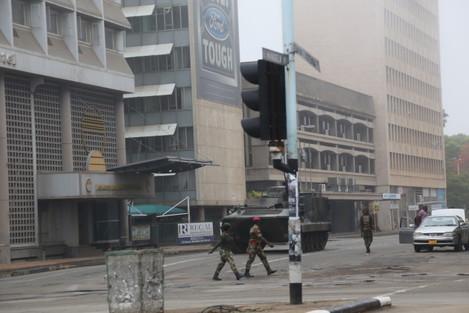 ZIMBABWE-HARARE-MILITARY-STABILIZATION