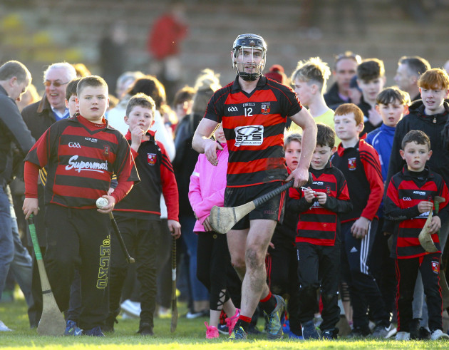 Pauric Mahony surrounded by supporters