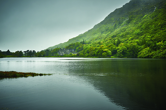 p30 Soft day at Kylemore Abbey