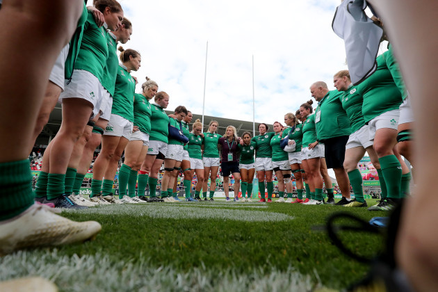 Ireland team huddle after the game