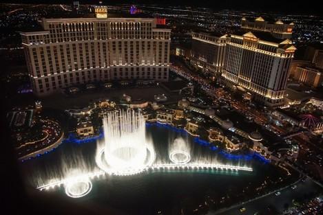 Las Vegas: At night on the boulevard Strip