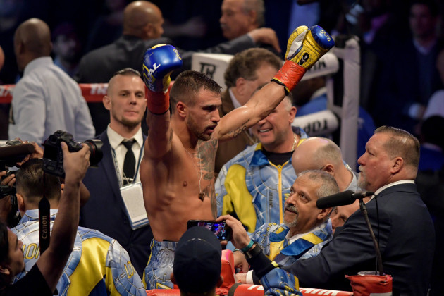 BOXING 2017 - Vasiliy Lomanchenko Defeats Guillermo Rigondeaux by 6th Round TKO