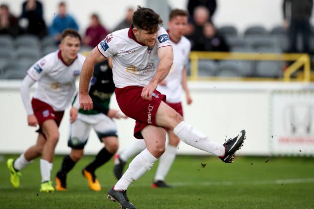 Ronan Murray misses a penalty