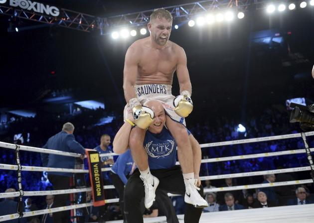 Saunders Douglas Boxing