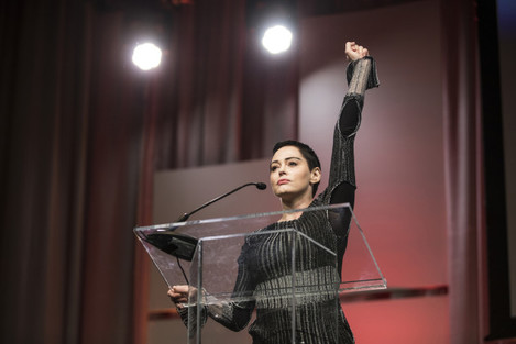 Rose McGowan plans not-guilty plea on drug charges she believes is linked to Weinstein scandal