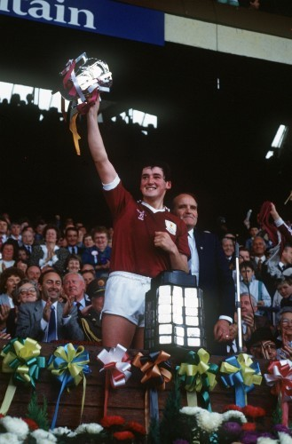Conor Hayes lifts the Liam McCarthy 1987