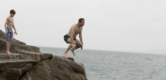 FORTY FOOT XMAS SWIM  758A2771_90532929