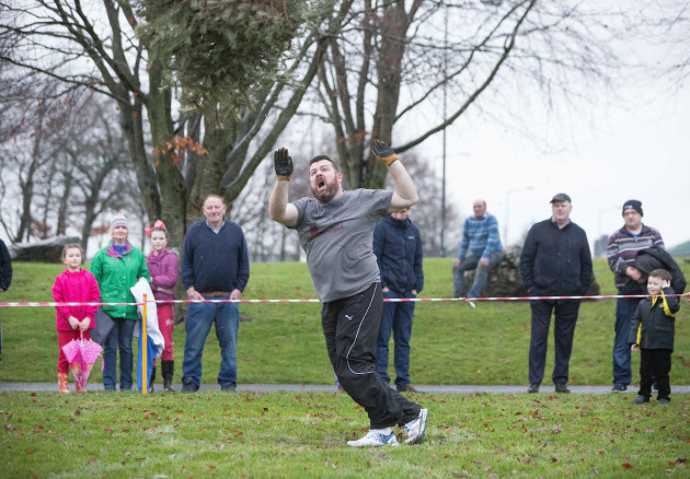 20170108_Christmas_Tree_Throwing_Championships_2017_0635