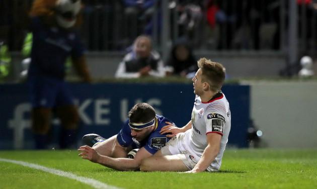 Fergus McFadden scores a try