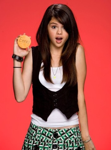 selena-gomez-trick-or-treat1