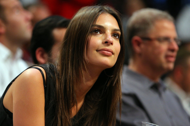 NY: Emily Ratajkowski at Knicks vs Nets