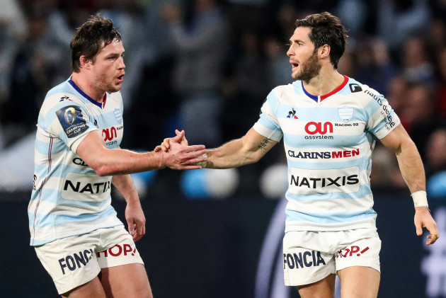 Louis Dupichot congratulates Maxime Machenaud after kicking a penalty