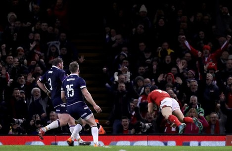 Leigh Halfpenny scores their third try