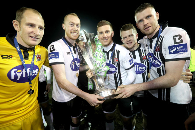 Gary Rogers, Chris Shields, Patrick McEleney, Ciaran O'Connor and Ciaran Kilduff celebrate with the SSE Airtricity League trophy
