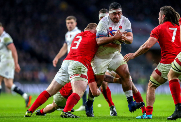 Mako Vunipola tackled by Samson Lee