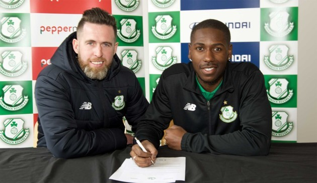 Dan Carr signs for Shamrock Rovers with Head Coach Stephen Bradley 11-02-18 pic credit George Kelly