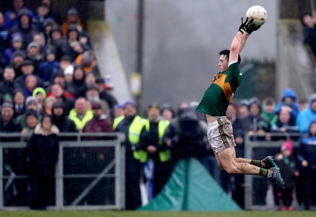 Paul Murphy claims a high ball