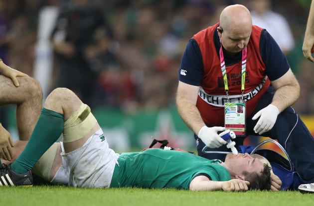 Peter O'Mahony down injured