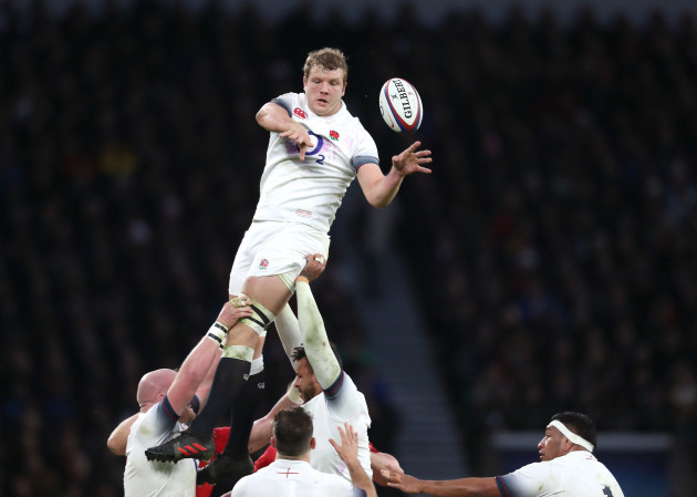 Joe Launchbury in the line-out