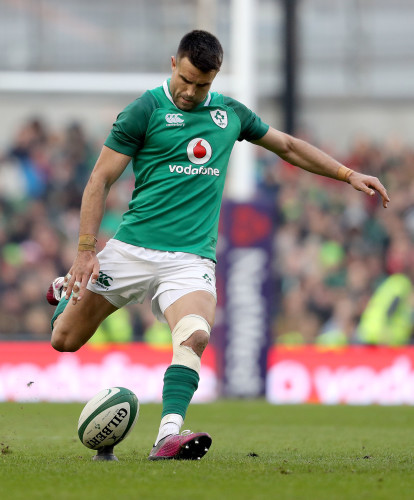 Conor Murray kicks a penalty