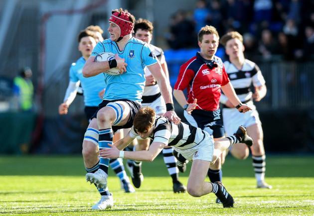 Ryan Baird tackled by David Lacey