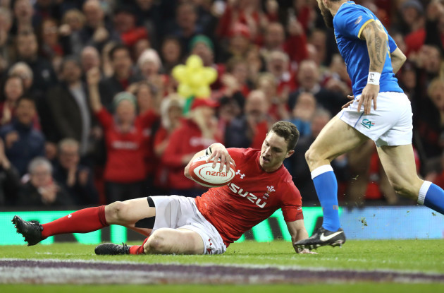 George North scores their second try