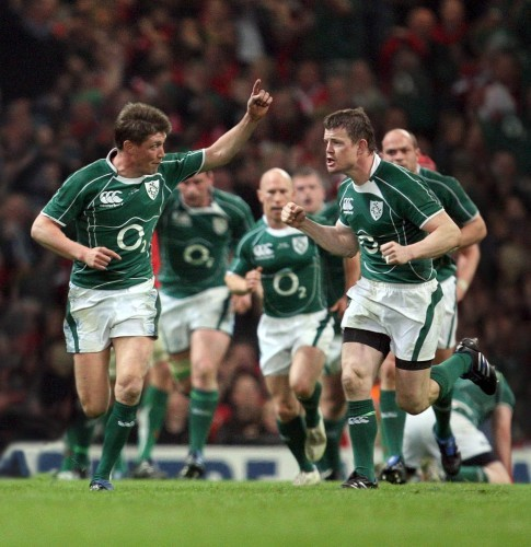 Ronan O'Gara celebrates scoring the winning drop goal with Brian O'Driscoll