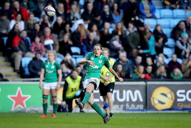 Hannah Tyrrell kicks a penalty