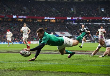 Jacob Stockdale scores Ireland's third try