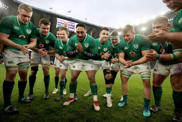Dan Leavy, James Ryan, Kieran Marmion, Bundee Aki, Conor Murray, Andrew Porter, Jordi Murphy and Tadhg Furlong celebrate winning