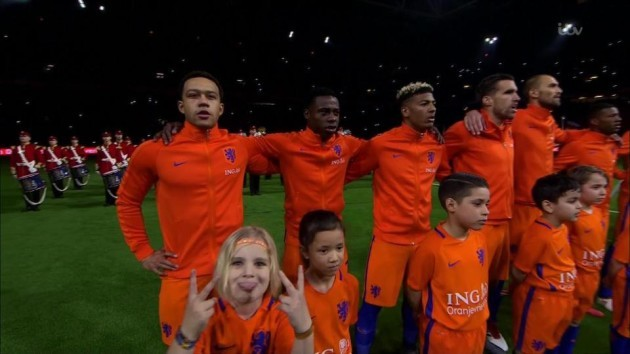 1521868550_810_dutch-mascot-leaves-viewers-in-hysterics-after-appearing-to-swear-on-live-tv-before-hollands-clash-with-england (1)