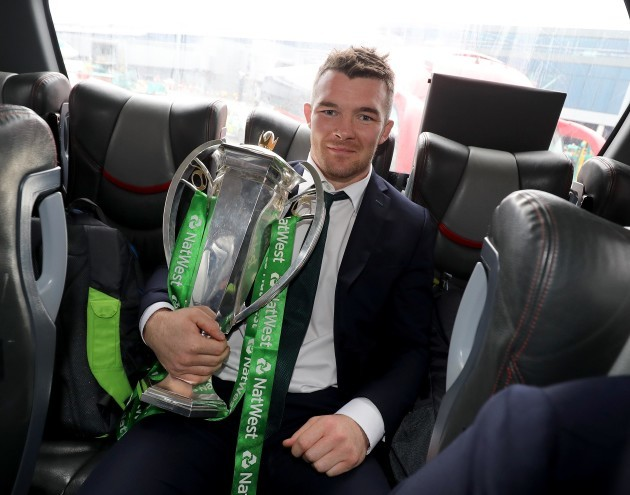 Peter O'Mahony with the Six Nations trophy
