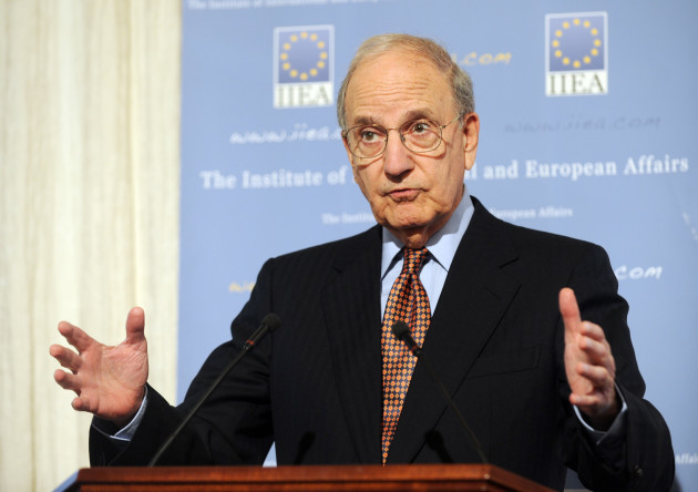 George Mitchell Speaking at IIEA