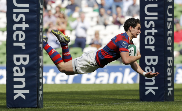 Joey Carbery goes over for a try