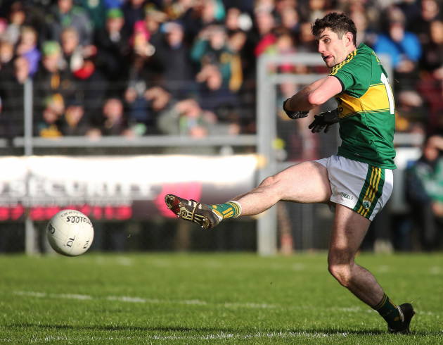 Paul Geaney scores his second goal
