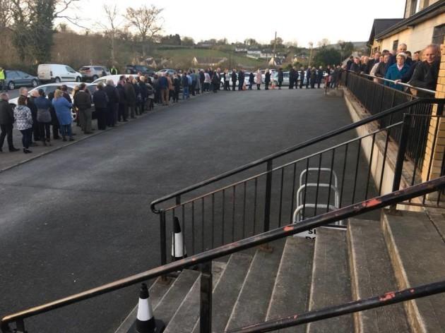 funeral-queue