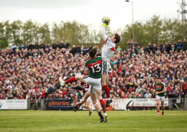 David Clarke catches a high ball