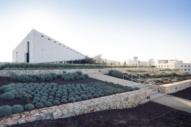 Hilltop_Presence_Palestinian_Museum_Heneghan_Peng_Iwan_Baan