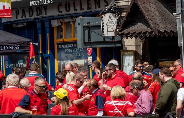 Munster fans before the game