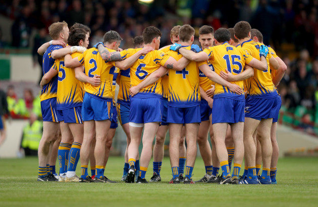 Clare huddle before the game