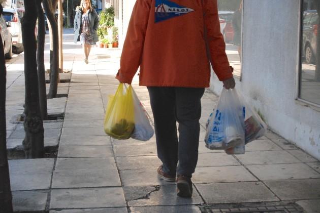 Greeks declare the fight against plastic