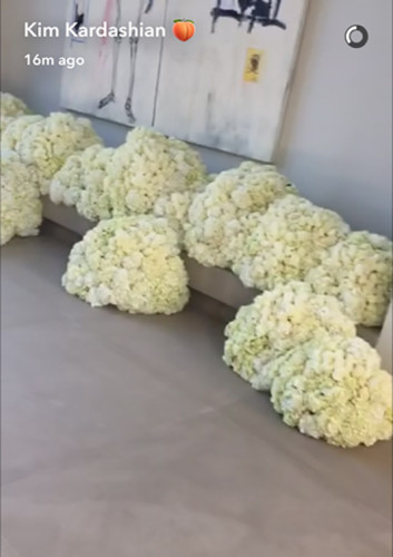 kanye-west-gifts-kim-kardashian-with-dozens-of-floating-flowers-ftr1