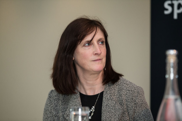 Dr. Úna May