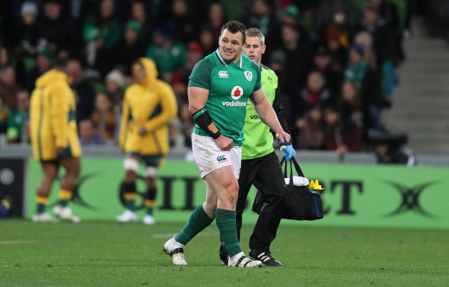 Cian Healy leaves the field with an injury