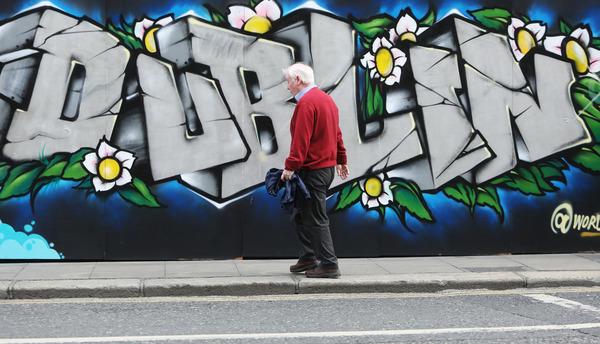 1595 Dublin Graffiti_90547387