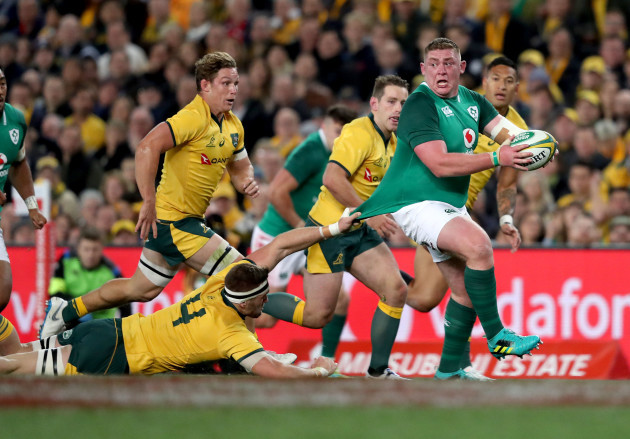 Tadhg Furlong is tacked by Izack Rodda
