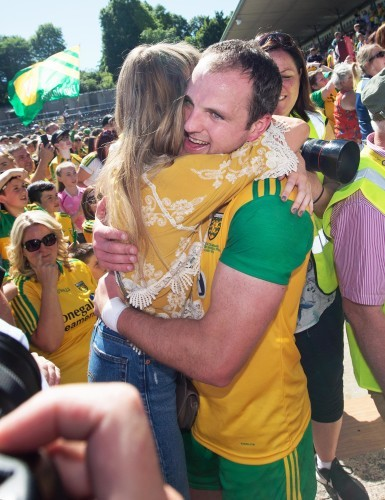Michael Murphy celebrates after the game with girlfriend Annie Keeney