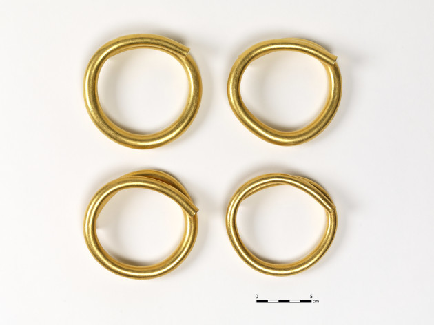 Gold artefacts